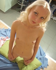18-vuotias pienitissinen pikkupillu