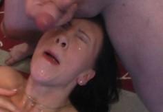 Suomityttöä pannaan molempiin reikiin