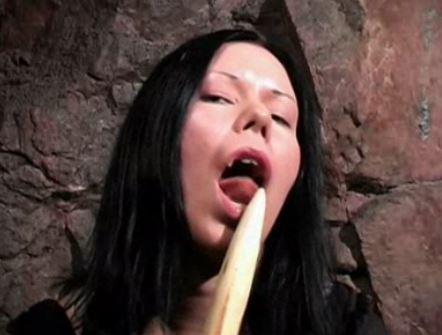 nainen tyydyttää itseään huora turku