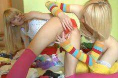 Teinitytöt lesboilee