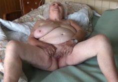 Mummo ja pappa harrastaa seksiä