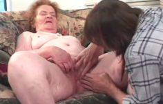 Mummopornoa – Mummokin tarvitsee kyrpää